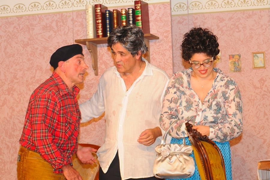 """Teatro: """"E'Arriatu lu Cuginu"""""""